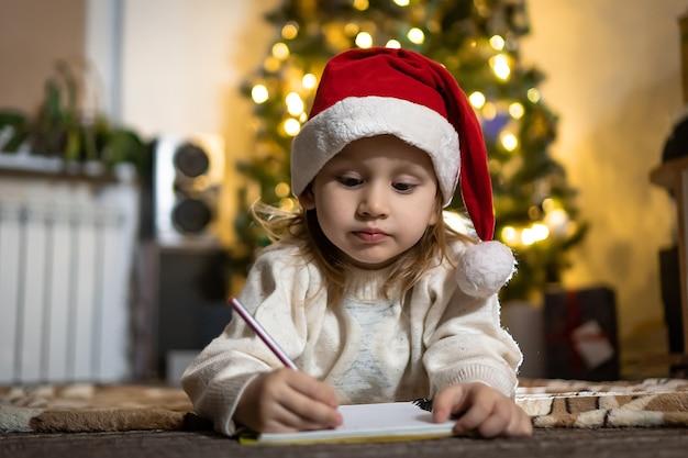 La neonata sveglia scrive una lettera a babbo natale