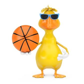 Mascotte gialla sveglia del carattere della persona dell'anatra del fumetto con la palla di pallacanestro su un fondo bianco. rendering 3d