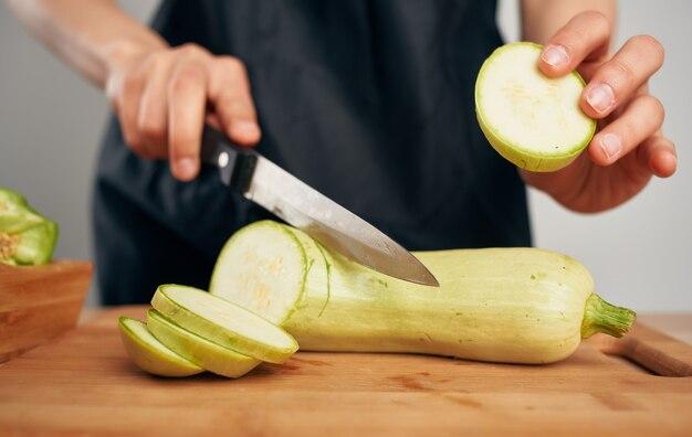 Tagliere tagliare le verdure la preparazione del cibo cibo sano cucina