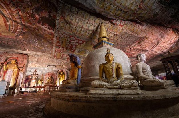 Tempio d'oro di dambulla, sri lanka