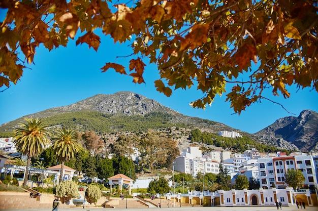 Alba sopra la città di chefchaouen in marocco.