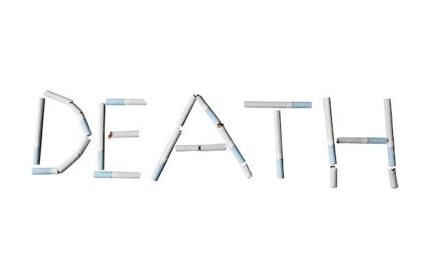 Parola di morte dalle sigarette isolate su fondo bianco.