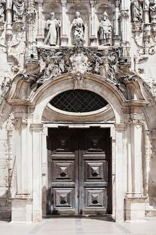 Decorazione del monastero di santa cruz a coimbra, portogallo
