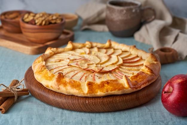 Deliziosa torta di mele
