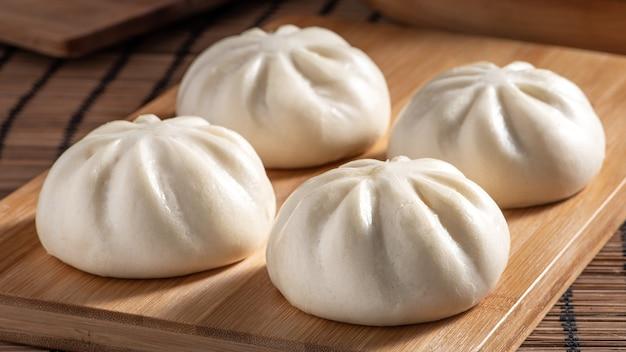 Deliziosi baozi, panini cinesi di carne al vapore