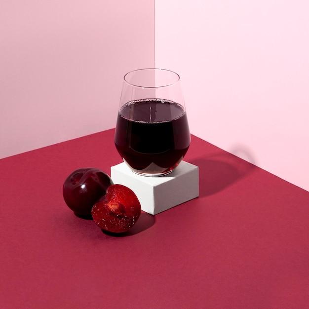 Delizioso bicchiere di succo di ciliegia
