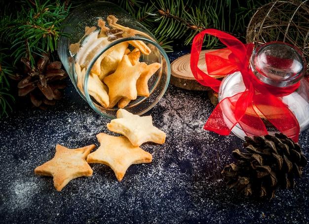 Biscotti deliziosi di natale in barattolo