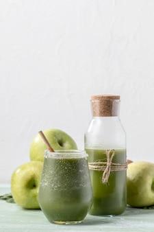 Delizioso frullato detox con frutta