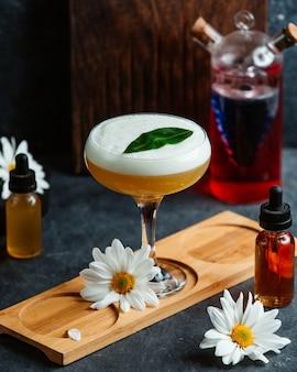 Delizioso cocktail esotico con margherita