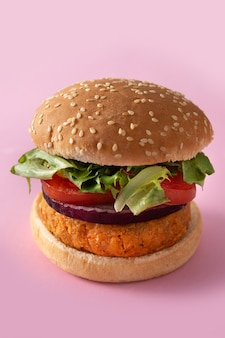 Hamburger sano delizioso di ceci. concetto di cibo veganismo