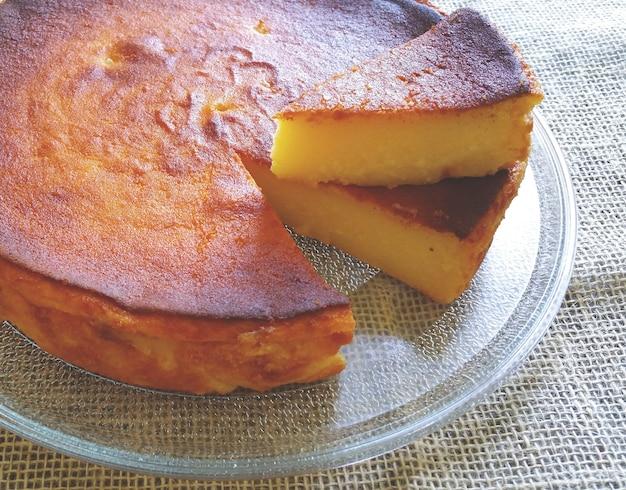 Torta di manioca fatta in casa deliziosa.