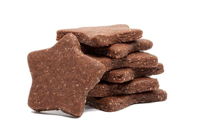 Deliziosi biscotti fatti in casa al cioccolato e zucchero a forma di stelle