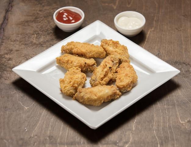 Delizioso pollo fritto croccante fatto in casa