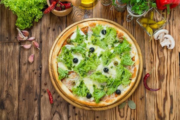 Deliziosa pizza italiana in un ristorante