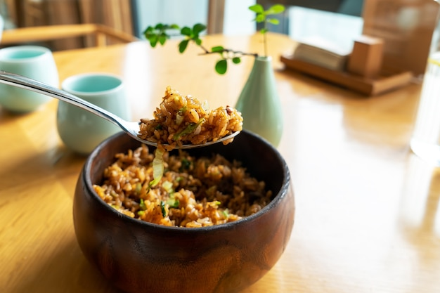 Delizioso riso ai funghi e pinoli