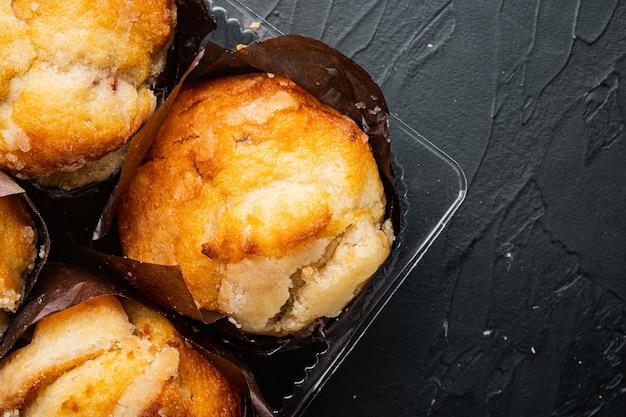 Muffin gustosissimi, su fondo nero