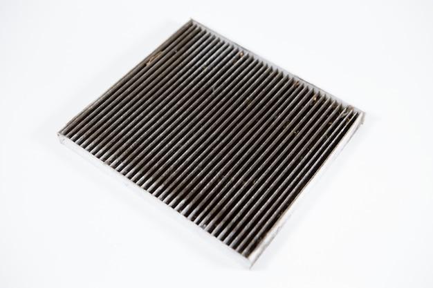 Particolare, superficie del filtro dell'aria sporca e intasata