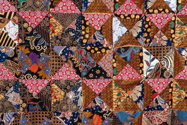 Trapunta patchwork di dettaglio nel mercato di strada