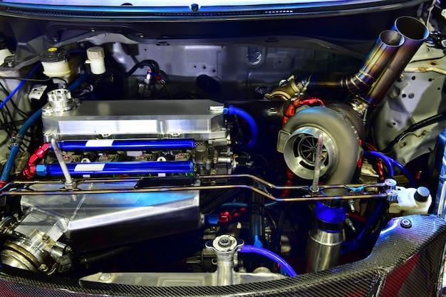Dettagli del motore dell'auto. modifica del motore turbo