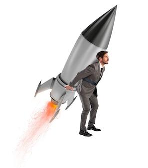 Determinazione e potere uomo d'affari che tiene un razzo isolato su sfondo bianco. aumenta, via.