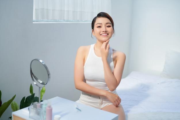 Detox botox collagene vitamine minerali trattamento terapia concept