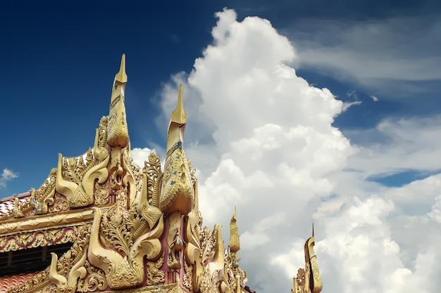Tempio birmano di dhamikarama in malesia