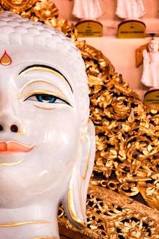 Tempio birmano di dhamikarama a penang, malesia