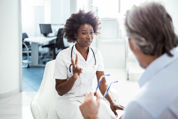 Diagnostica, prevenzione delle malattie, assistenza sanitaria, servizio medico, consulenza o istruzione, concetto di stile di vita sano