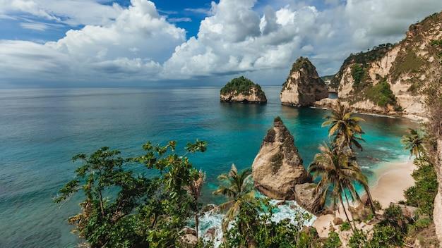 Diamond beach sull'isola di nusa penida
