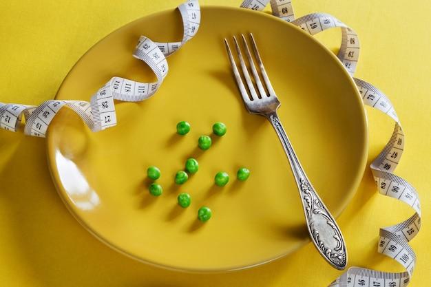 Dieta piastra gialla con centimetro