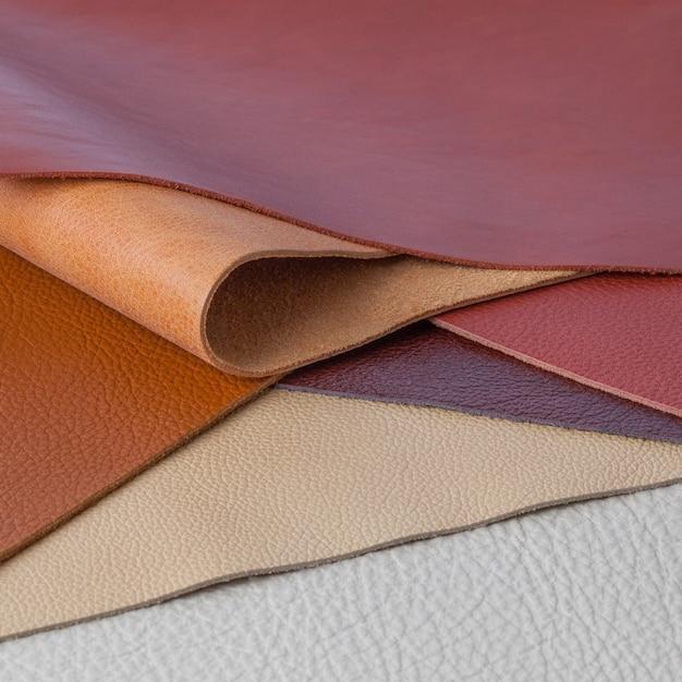 Diversi campioni di texture in pelle naturale multicolore