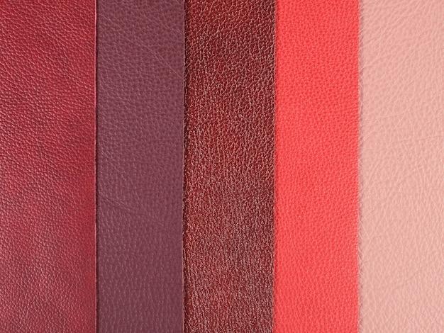 Diverse tonalità di campioni di texture in pelle naturale rossa