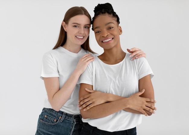 Diverse donne concetto di inclusione