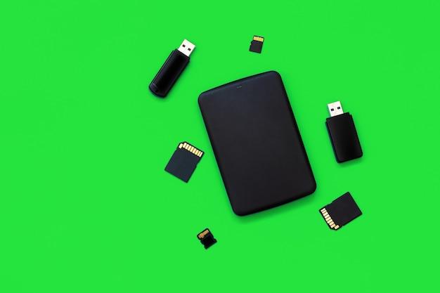 Memoria dati digitale concetto usb flash drive memory card hdd portatile