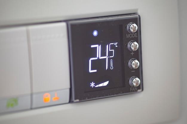 Termostato digitale utilizzato per regolare la temperatura dell'impianto di riscaldamento