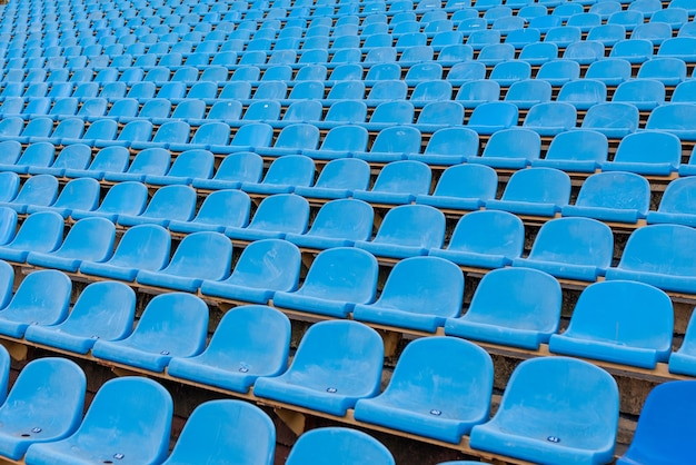 Posti sporchi allo stadio senza i visitatori. per qualsiasi scopo.