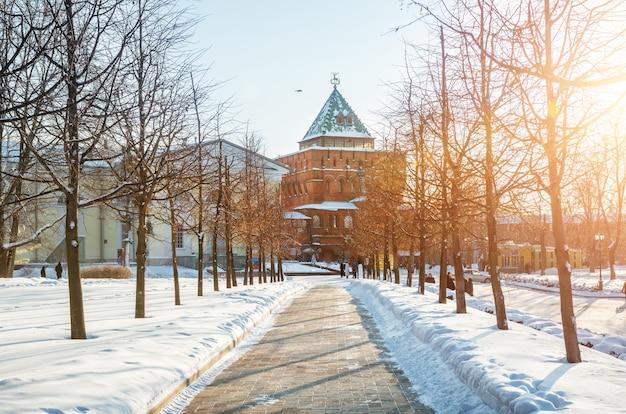 Torre dmitrov all'interno del cremlino di nizhny novgorod