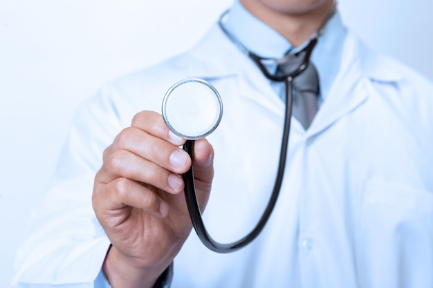 Dottore su bianco
