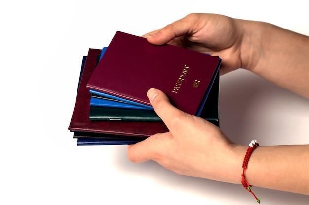 Documenti in mano