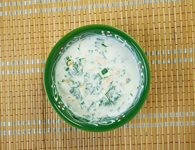 Zuppa fredda di yogurt azera dogramach