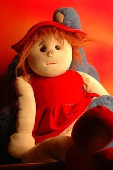 Bambola con giocattolo elefante di stuff