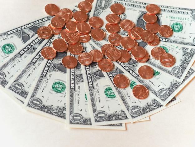 Banconote e monete in dollari (usd), stati uniti (usa)