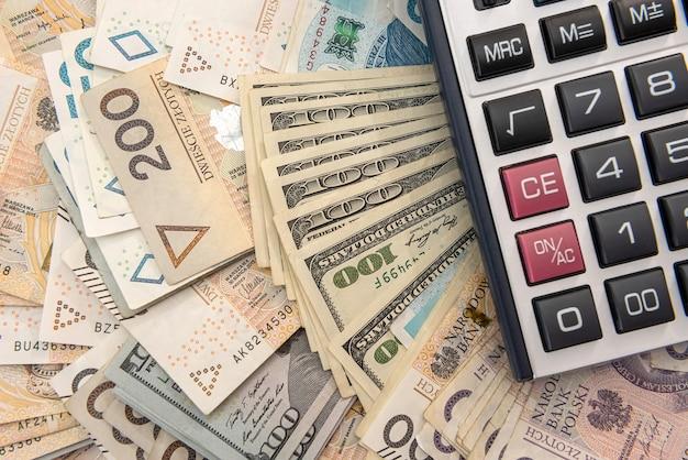 Zloty del dollaro e concetto di affari della calcolatrice, concetto di scambio exchange