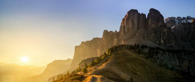 Dolomiti, italia paesaggio al passo gardena.