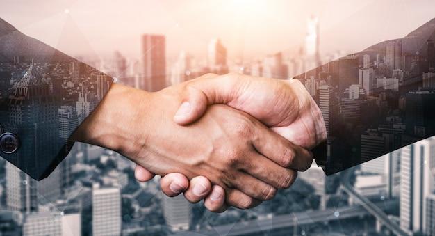 Immagine a doppia esposizione di affari e finanza