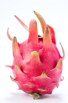 Frutta del drago, pitaya isolato su priorità bassa bianca con il percorso di residuo della potatura meccanica