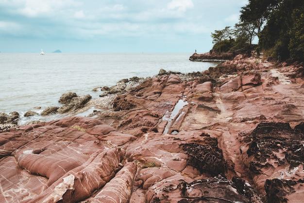 Paesaggio marino drammatico