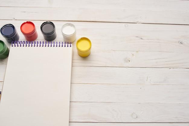 Blocco da disegno acquerello dipinge matite strumenti per artista