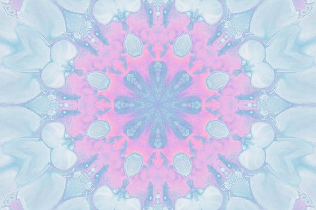 Disegno con acquerelli, immagini astratte per lo sfondo. elemento di design, colori rosa pastello e blu. fiori geometrici, sfocatura del caleidoscopio