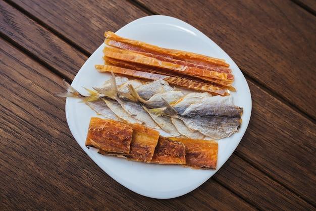 Pesce essiccato merluzzo balena gialla